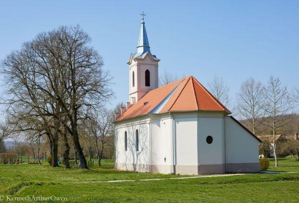 Almáskeresztúr templom