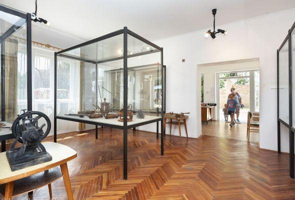 Ibafa Alpár János Művelődési Otthon pipamúzeum